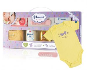 Johnson's Baby Care Collection with Organic Cotton Baby Dress Gift Set (9 Pieces) worth Rs.518 for Rs.337 – Amazon